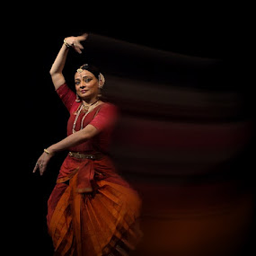 Bharata Natyam Dance by Prana Jagannatha - People Musicians & Entertainers ( girl, india, dance, people )