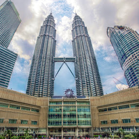 KLCC by Ibnu Zakaria - Buildings & Architecture Statues & Monuments