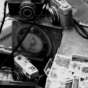 OLd Camera story by Diro Jiyuu - Artistic Objects Antiques ( ok. )