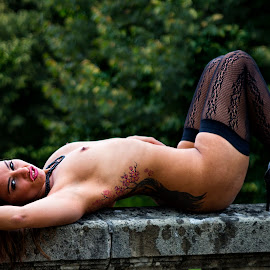 Relaxe by Thomas ST0LL - Nudes & Boudoir Artistic Nude