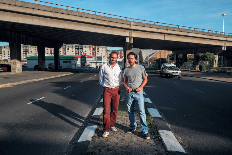 Raphael Grojnowski and Mathieu Coquillon