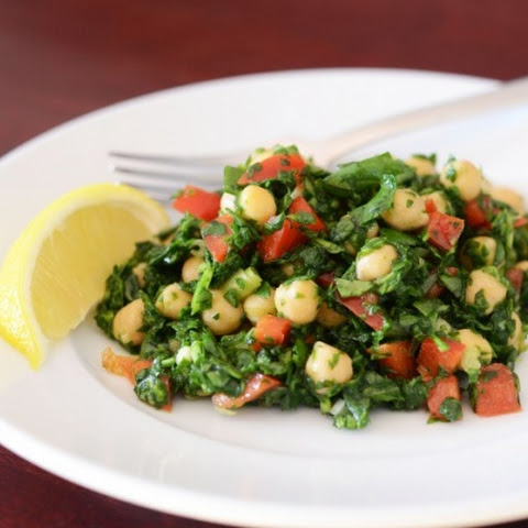 Healthy food slimming. Salad of chickpeas with spinach