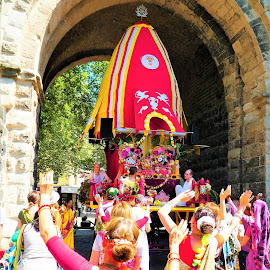 Ratha Yatra Köln 2018_8 by Svetlana Saenkova - City,  Street & Park  Street Scenes ( red, celebration, chariot, devotion, bhakti, cologne, yellow, köln, arch, ratha yatra, blessing,  )
