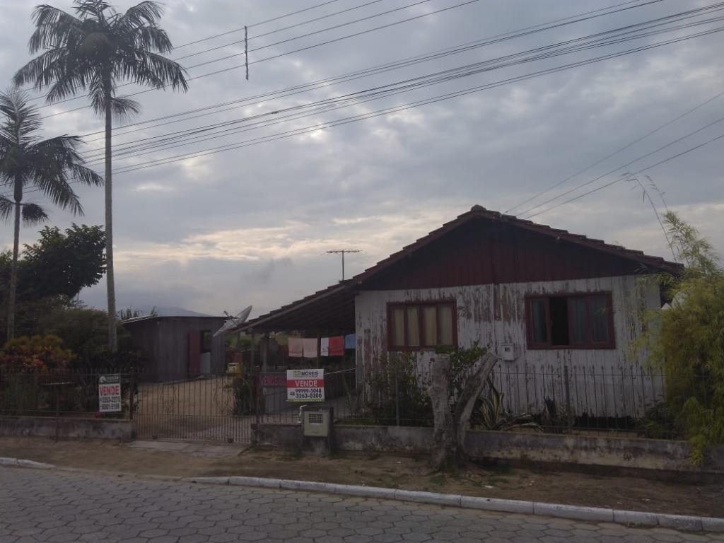 Terreno à venda com 399 m² na Joaia
