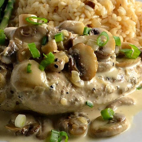 Slow Cooker Chicken in Mushroom-Wine Sauce