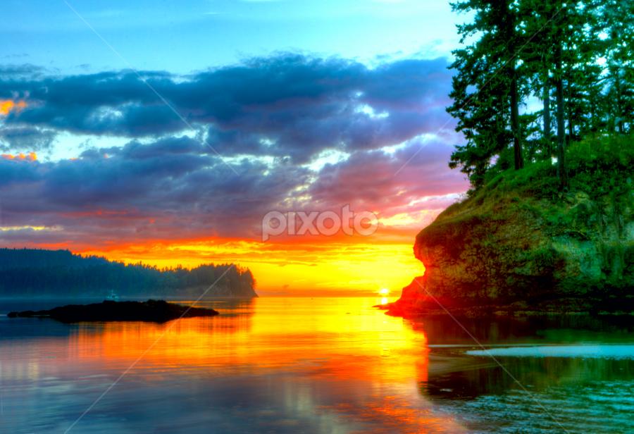 Salt Creek Sunset by Rod Mathis - Landscapes Sunsets & Sunrises ( red, green, salt creek, ocean, sunset, beach, washington, evening )