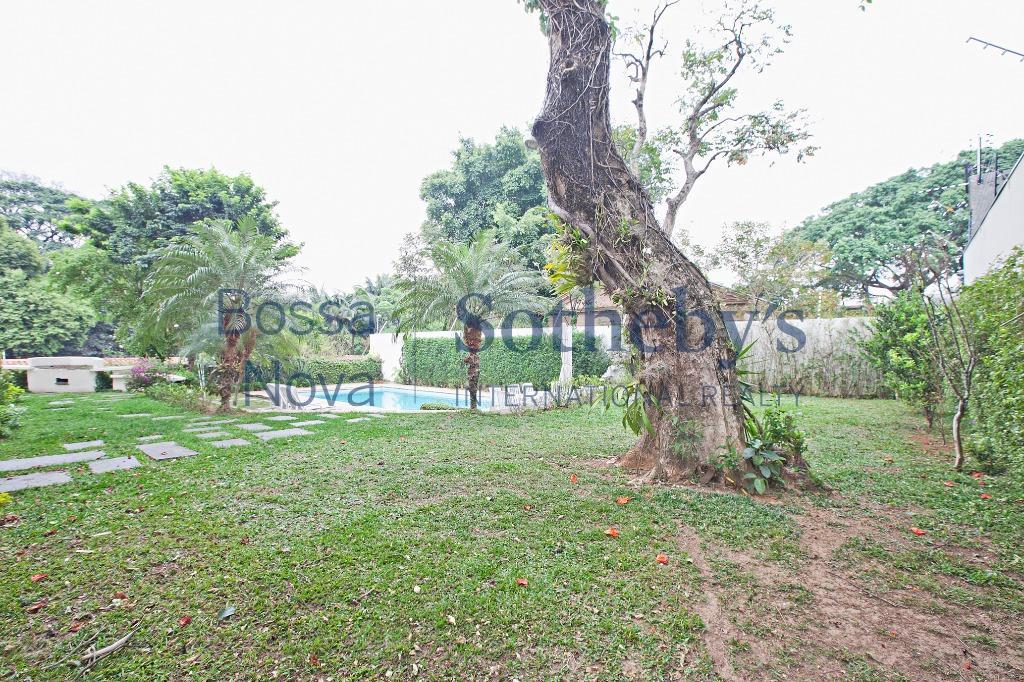 Mansão no Jardim  Guedala
