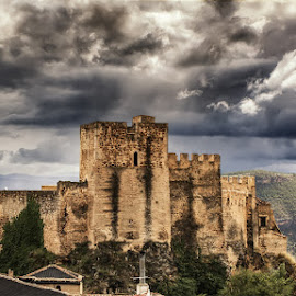 Yeste Castle under a gothic sky. by Francisco Garcia Rios - Buildings & Architecture Public & Historical ( yeste, españa, wbpa, fortaleza, recesvintus, paisaje, turismo, architecture, landscape, historia, drama, spain, military, sky, militar, cielo, fortress, nubes, dramatic, castillo, cloudy, monument, albacete, clouds, arquitectura, tourism, overcast, nublado, history, tourist, monumento, outdoor, sierra del segura, castle, medieval, aire libre )