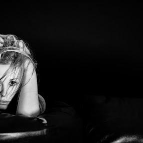 M006_C027_010105 by Gunleik Groovie - People Portraits of Women ( girl, b&w, emotional, woman, seductive )