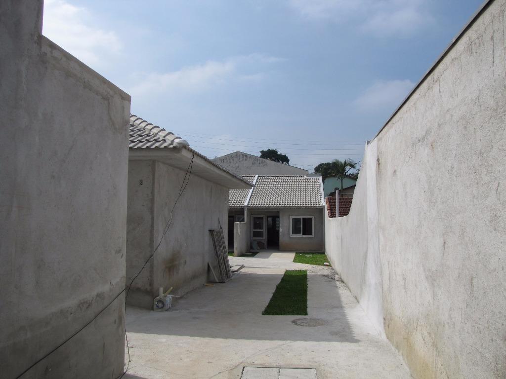 Casa de 2 dormitórios em Bairro Alto, Curitiba - PR