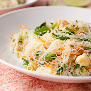 Cold Rice Noodle Salad with Crumbled Tofu