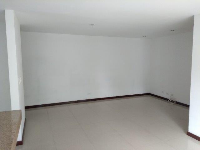 apartamento en arriendo la abadia 594-21730
