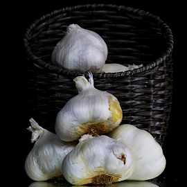 by Dipali S - Food & Drink Fruits & Vegetables ( garlic, vegetable )