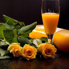 Italian Eggnog by eZeepics Studio - Food & Drink Alcohol & Drinks ( festive, seasonal, eve, aromatic, sabayon, yellow, egg, party, drink, glass, eggnog, wet, celebrate, advocaat, dessert, christmas, traditional, creamy, cream, holiday, rose, tasty, sweet, beverage, alcohol, roses, liqueur, celebration, liquor )