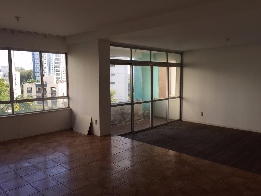 Apartamento residencial à venda, Candeal, Salvador.
