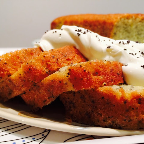 Lemon Drizzle Cake with Poppy Seeds Easy