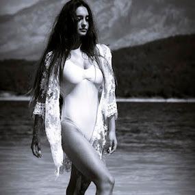 .. by Nediljko Prološčić - Black & White Portraits & People ( girl, nature, black and white, woman )