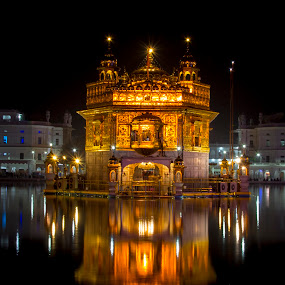 shree darbar sahab(golden temple) by Divnoor Buttar - Buildings & Architecture Places of Worship ( religion, sikh, darbar sahab, sikhism, india, goldentemple )