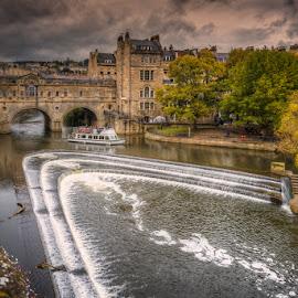 Pulteney Bridge, Bath by Krasimir Lazarov - Buildings & Architecture Bridges & Suspended Structures ( somerset, england, bath, tourism, architecture, bridge, united kingdom, river )