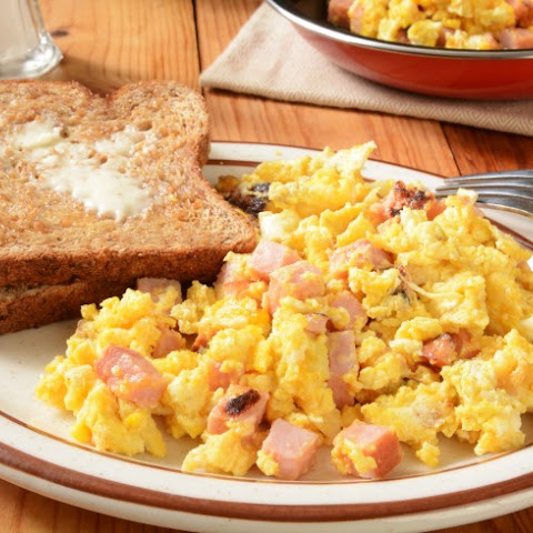 Low-Fat Scrambled Eggs and Ham
