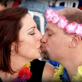 Maui Kiss by Patty Mo - People Couples ( patricia maureen photography, sweet kiss, couple kissing, marriage, pmp, 20 years, maui kiss, patty mo, sister, kiss, maui, in love, vacation, family, brother in law, couple, sunset kiss, brother, patricia maureen photos, sunset cruise )