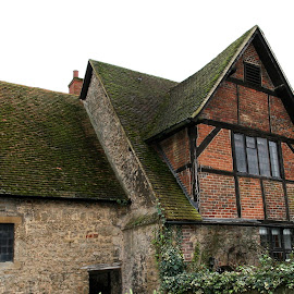 Tudor house in Bicester,UK by Ian Turnell - Buildings & Architecture Homes ( old houses, udor house, uk architecture )