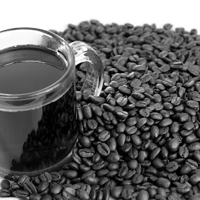 by Mike Gonzales - Food & Drink Alcohol & Drinks ( cup, black and white, coffee beans, coffee )