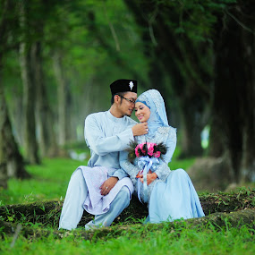 In Love by Nuzul Taufiq - Wedding Bride & Groom