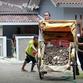 drive on pedicab by Robert Antonius - People Street & Candids ( traditional transportation, indonesia, driver pedicab, pedicab, becak )