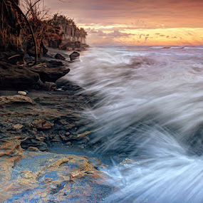 Hole in Splash by I Gusti Putu Purnama Jaya - Landscapes Waterscapes