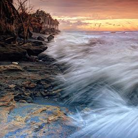 Hole in Splash by I Gusti Putu Purnama Jaya - Landscapes Waterscapes
