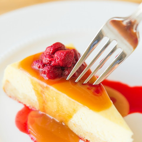 Caramel Cheesecake with Raspberries