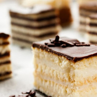 Easy Chocolate Éclair Squares