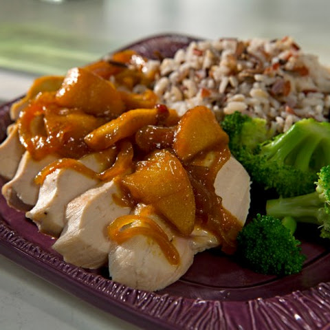 Chicken Breasts with Apple-Curry Sauce