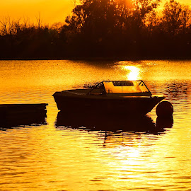 Sunset by DC Photos - Novices Only Landscapes ( plovdiv, sunset, rowing_channel, boat, bulgaria )