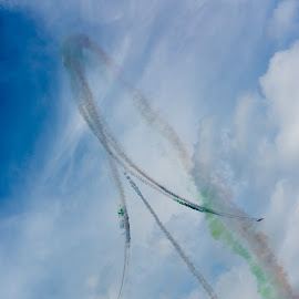 Awesome aerobatic by Bor Rojnik - Sports & Fitness Other Sports ( tricolori, sky, frecce, awesome, colors, national flag, air, aerobatic, acrobatic )