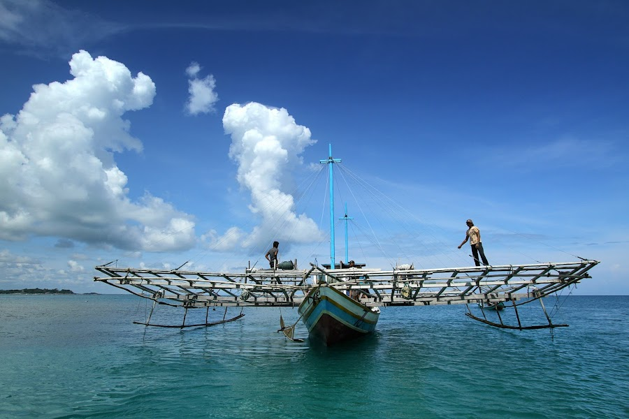 ready to sail.... by Adrian Yyen - Transportation Boats ( indonesia, boats, transportation, belitung )