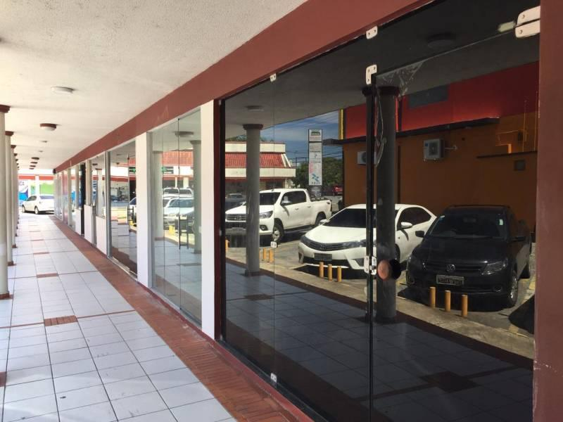 Vende-se ou Aluga-se Loja, 45 m² - Parque 10 de Novembro - Manaus/AM