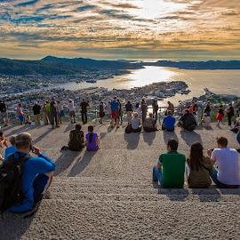 Solnedgangen. by Dag Hafstad - City,  Street & Park  Amusement Parks ( bergen, om kveld på sentrum 20. juli 2016 )