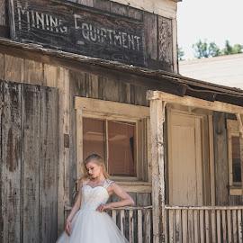 Beauty by Yansen Setiawan - Wedding Bride ( wedding, weddings, old town, wedding dress, beauty, beautiful bride, bride )