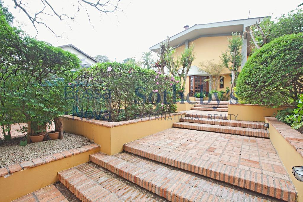 Casa agradável com muito verde!