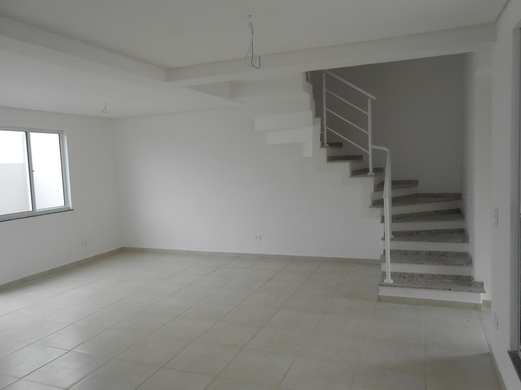 Sobrado de 2 dormitórios em Campo Comprido, Curitiba - PR