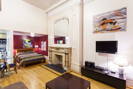 Spacious american loft on Madison Avenue sleeps 4