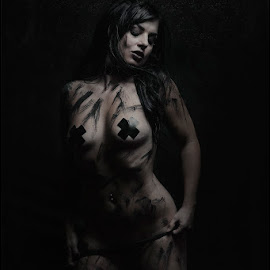 Painted lady by Adrian Chinery - Nudes & Boudoir Artistic Nude ( rozi cheeks, model, johannesburg, portfolio, south africa, alternative, paint, portrait, pierce, sexy, photographer, tattoo, adrian chinery )