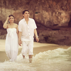 Jonathan & Jacky E-Session by Roland Caranzo - Wedding Other ( caranzo digital., cebu photographers, wedding photographer )