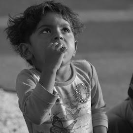 Struggle for existance by Kartik Bhagwat - Babies & Children Children Candids ( children, candid, hungry, portrait, street photography )