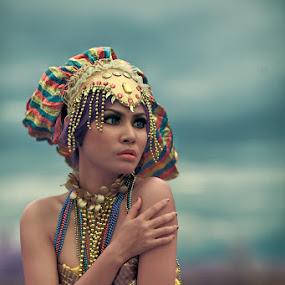 Cleopatra by Chandra Wirawan - People Portraits of Women