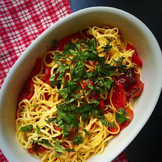 Roasted Tomato and Red Pepper Linguine with Fresh Basil