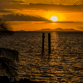 Tropical sunset by Vibeke Friis - Landscapes Sunsets & Sunrises ( sunset, sea, tropics,  )