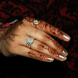 Pretty hand by Ashwini Attri - People Body Parts ( henna, hand, macro, rings, nails )